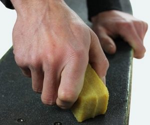 Cleaning the Grip Tape of Skateboard
